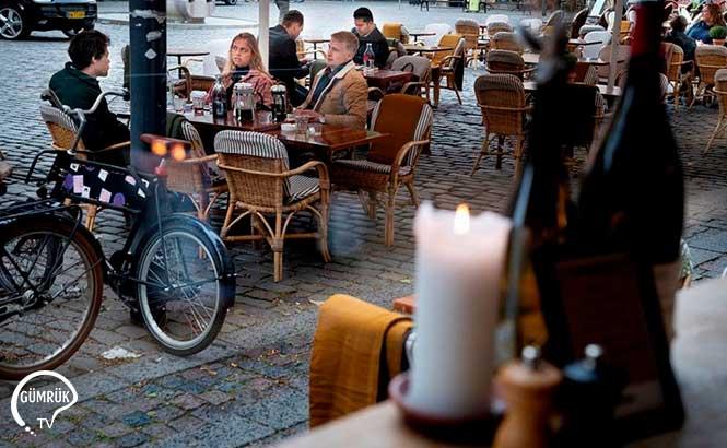 Danimarka'da Covid-19 Kısıtlamaları Gevşetiliyor