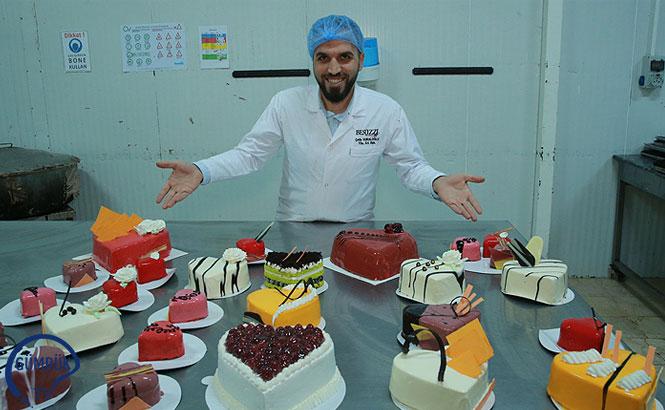 Sevgililer İçin 8 Ülkeye 1 Milyon Kalpli Pasta İhraç Etti