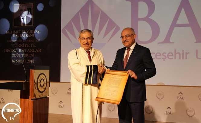 Türkiye'ye Değer Katanlar Ödülü Tim Başkanı Büyükeşi'nin Oldu