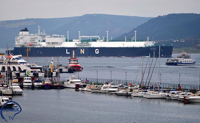 867 Grostonluk LNG Tankeri Boğazı Geçti