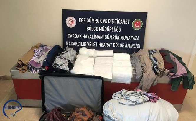 Denizli'de Giysilere Emdirilmiş ve Elyaf Yorgana Gizlenmiş Uyuşturucu Ele Geçirdi
