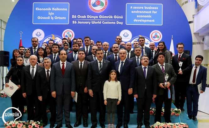 Bakan Tüfenkci, Dünya Gümrük Günü kapsamında Bakanlık Personeli ile Bir Araya Geldi