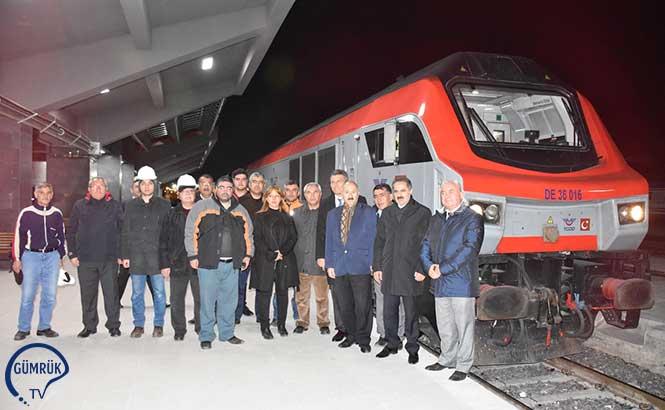 Bakü-Tiflis-Kars Demiryolu'nda İlk Tren Kars'a Ulaştı